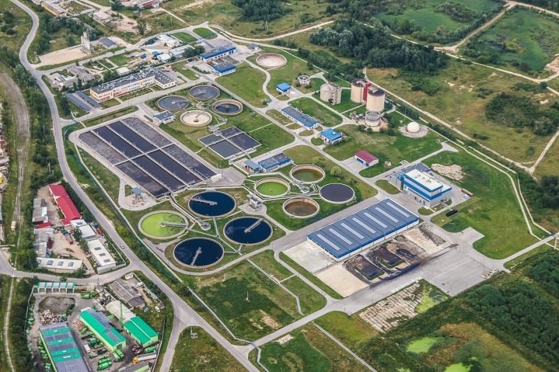 treatment-plant-wastewater-2826990_960_720.jpg